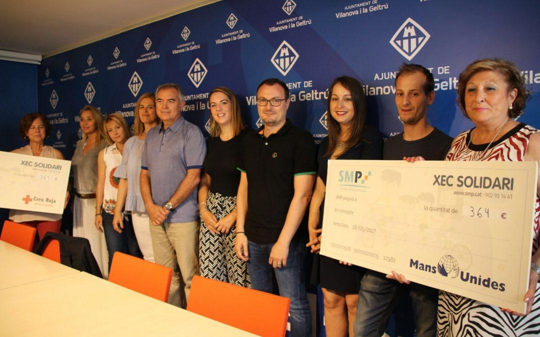 Creu Roja i Mans Unides reben els diners recaptats per Serveis Mèdics Penedès a la Zona Solidària d'ExpoNadó